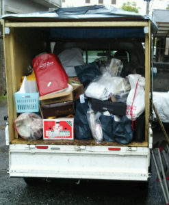 清水町でPC、資源ごみ回収の写真