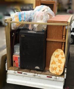 三島市で、冷蔵庫、食器棚などの回収1