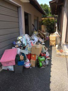 伊豆の国市で、冷蔵庫、タンスなどの回収1
