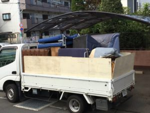 沼津市にて、タンス、ソファーなどの回収2