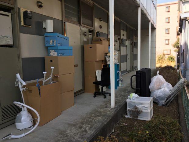 沼津市東原で折り畳みベッド、椅子、カラーボックスなどの不用品回収 施工事例紹介