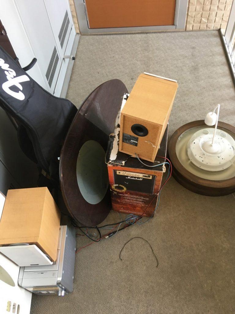 家具や布団、ギターなどの回収