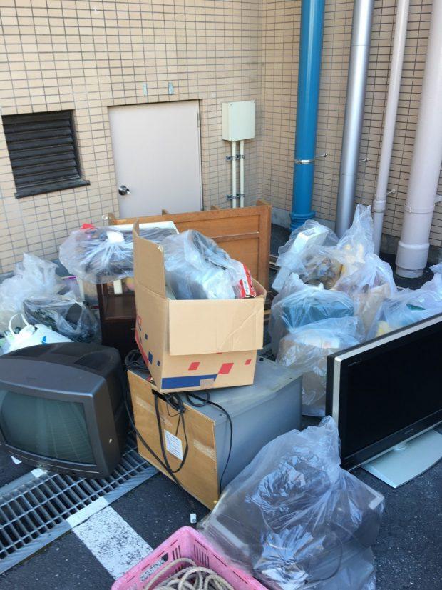 【御殿場市】家財道具や家庭ごみの回収☆大量のご不用品をまとめて処分できたお客様に喜んでいただけました!