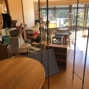 【伊東市】テレビ、食器棚、四人用ダイニングテーブルの回収・処分