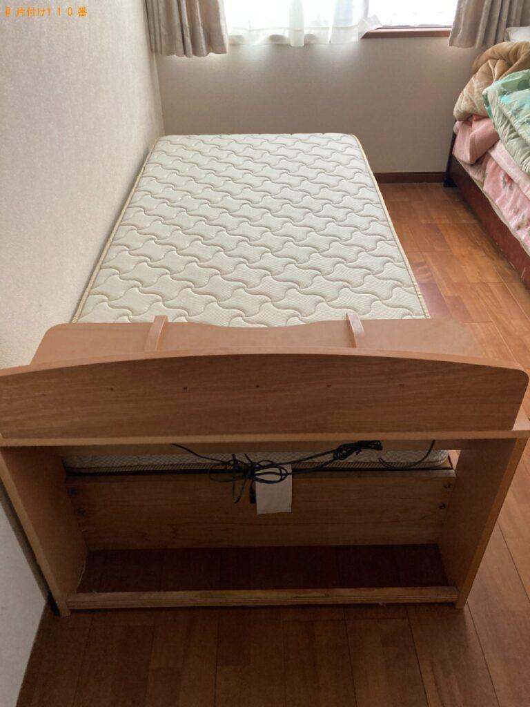 マットレス付きシングルベッド、ショーケースの回収・処分